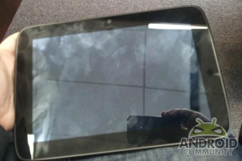 News Terminali | Prime foto live del tablet Android con processore Medfield di Intel