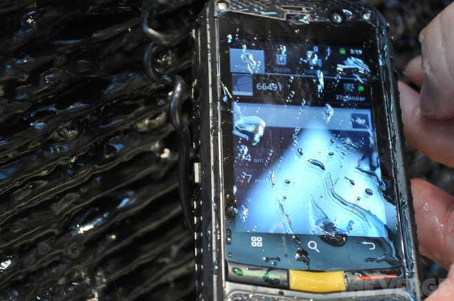 Novità Terminali| CAT B10 Lo smartphone Indistruttibile!