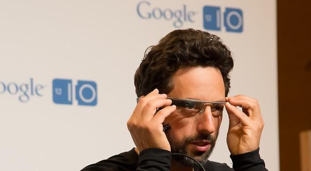 News Terminali | Google Glass pronto alla commercializzazione dopo un anno dall'Explorer's Edition