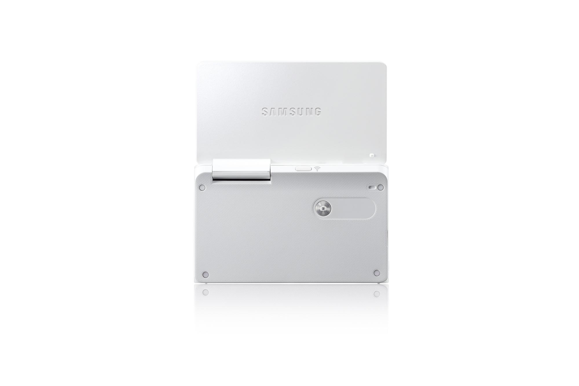 MV900F_white_back2