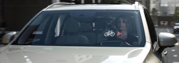 Volvo mostra il casco intelligente con lo scopo di ridurre gli incidenti