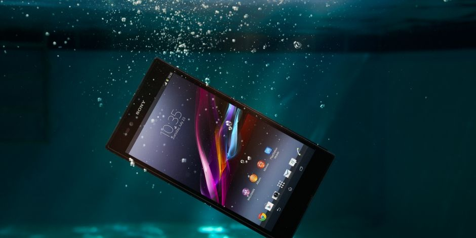 xperia-z-ultra-waterproof-and-made-to-last-3ef42d23b915119a44798b765c6aee4a-940