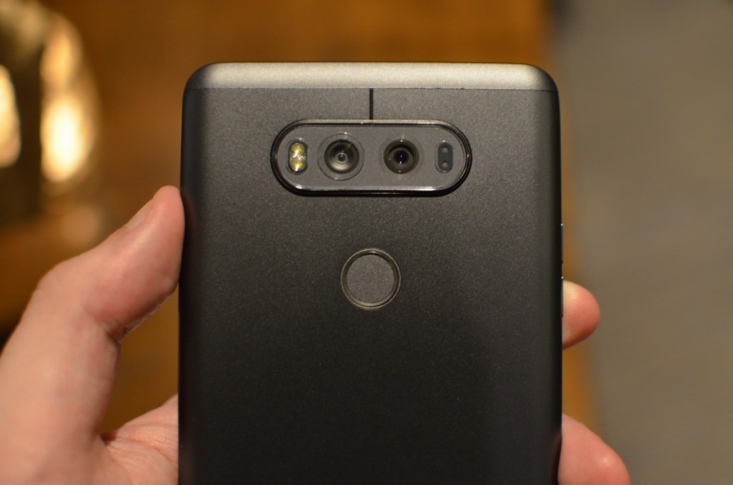 lg-v20-hands-on-0001-2-1500x994