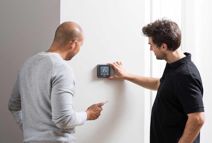 Lyric T6 : il termostato che puoi monitorare tramite smartphone