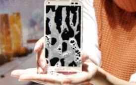 Lo smartphone che può farsi un bagno caldo con sapone